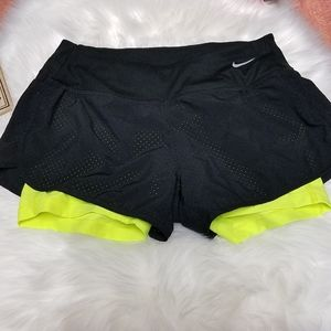 Nike dri-fit 2 in 1 compression running shorts S